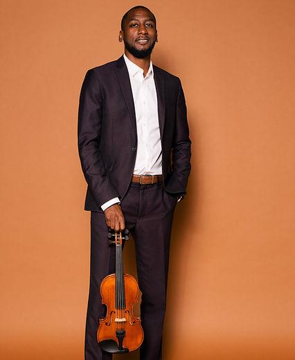 Brandon Summers Violinist