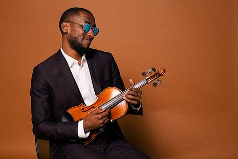 Brandon Summers (Violinist)