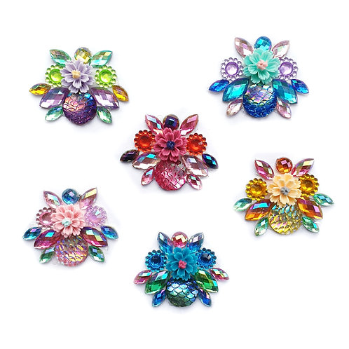 Laura Rogers  -  6pc Cluster set