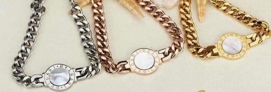 Bulgari Bracelet Rose Gold Wrist Front View Zirconia Diamond Watch Double Face