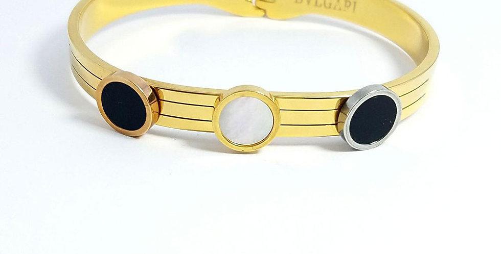 Bulgari Bracelet Gold Wrist Front View Zirconia Diamond Watch