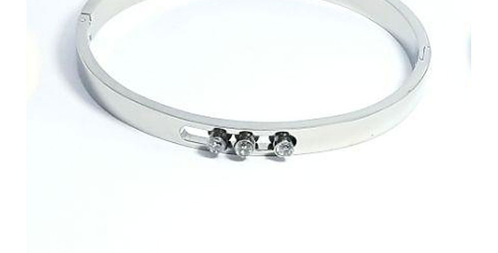 Tiffany & Co Bracelet Silver Wrist Front View Zirconia Diamond Crystals