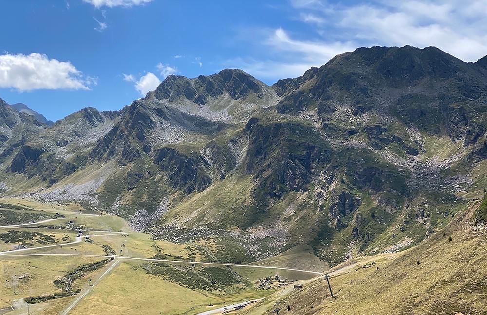 Montañas Llacs de Tristaina