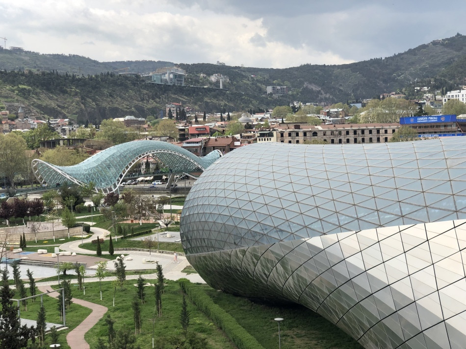 Puente-Paz-Tbilisi