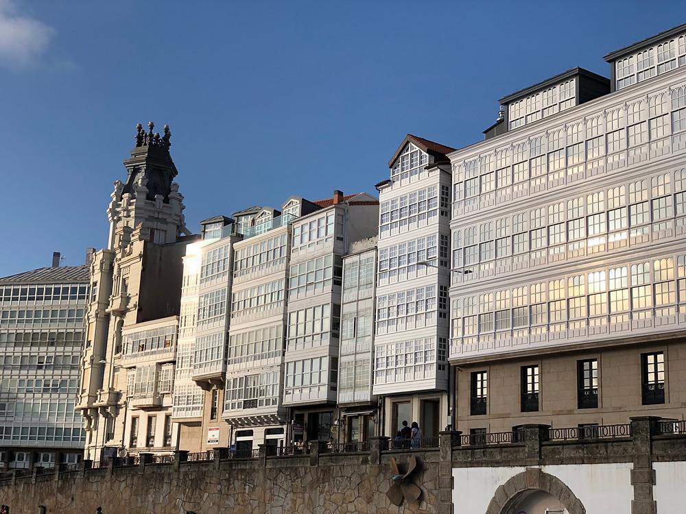 Fachadas típicas edificios Coruña