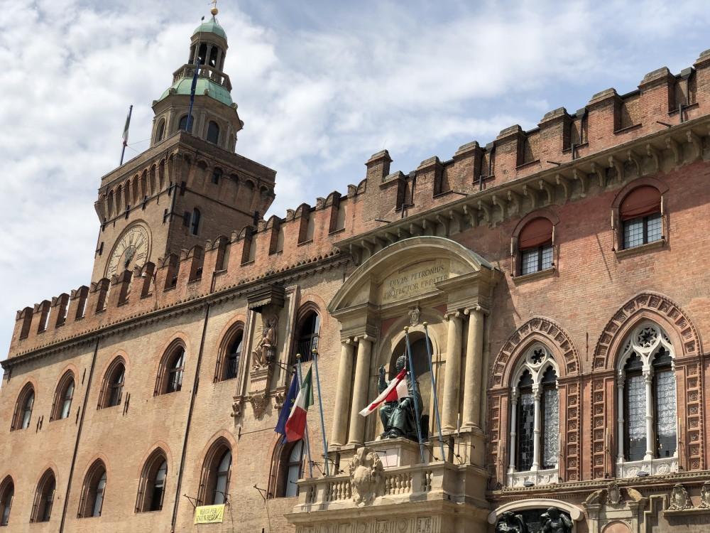 Fachada del Palacio de Accursio