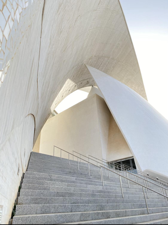 Diseño vanguardista del auditorio de Santa Cruz de Tenerife