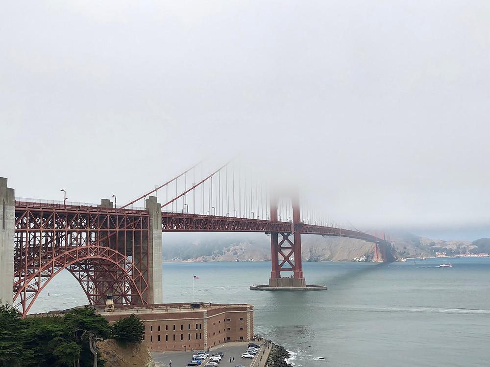 Golden Gate en un típico día de niebla