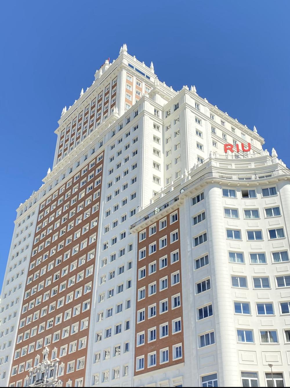 Fachada Hotel Riu Plaza España de Madrid