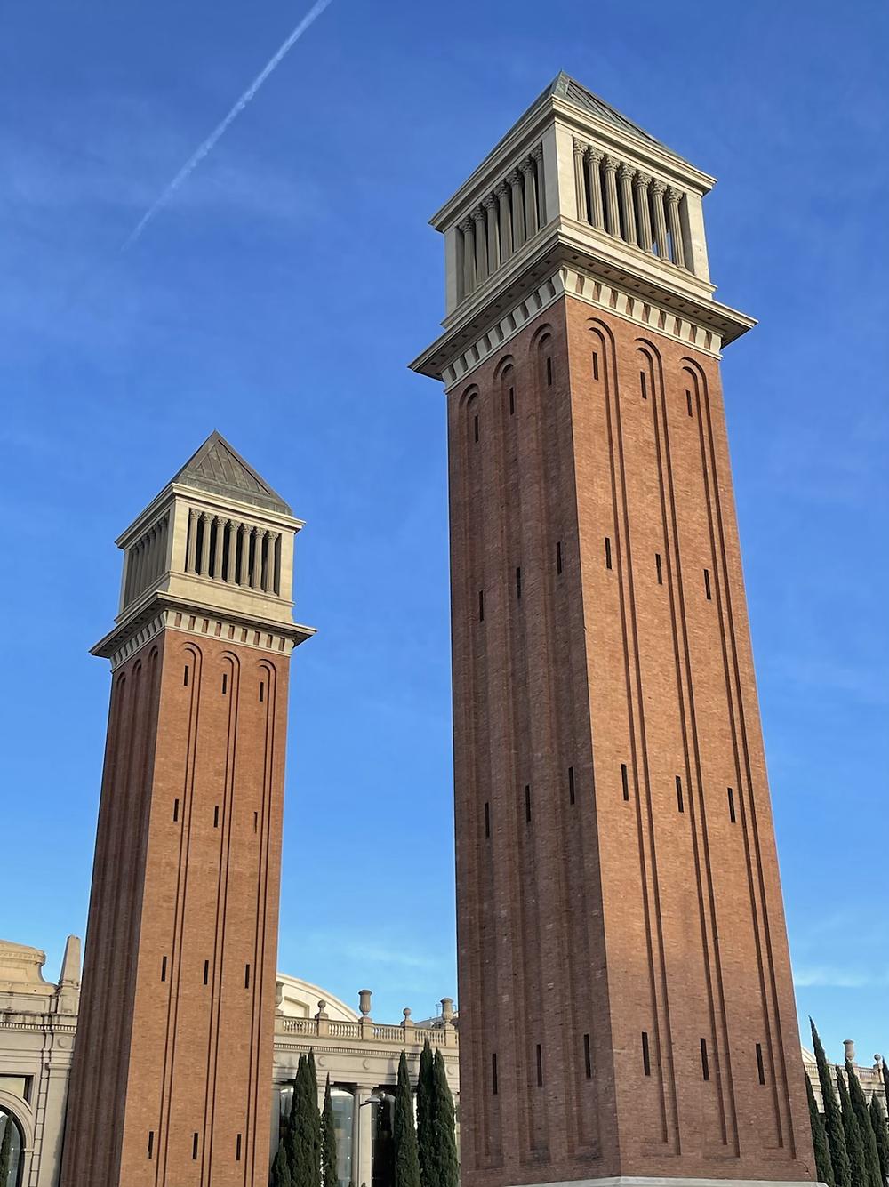 Torres venecianas en Plaza España, en Barcelona