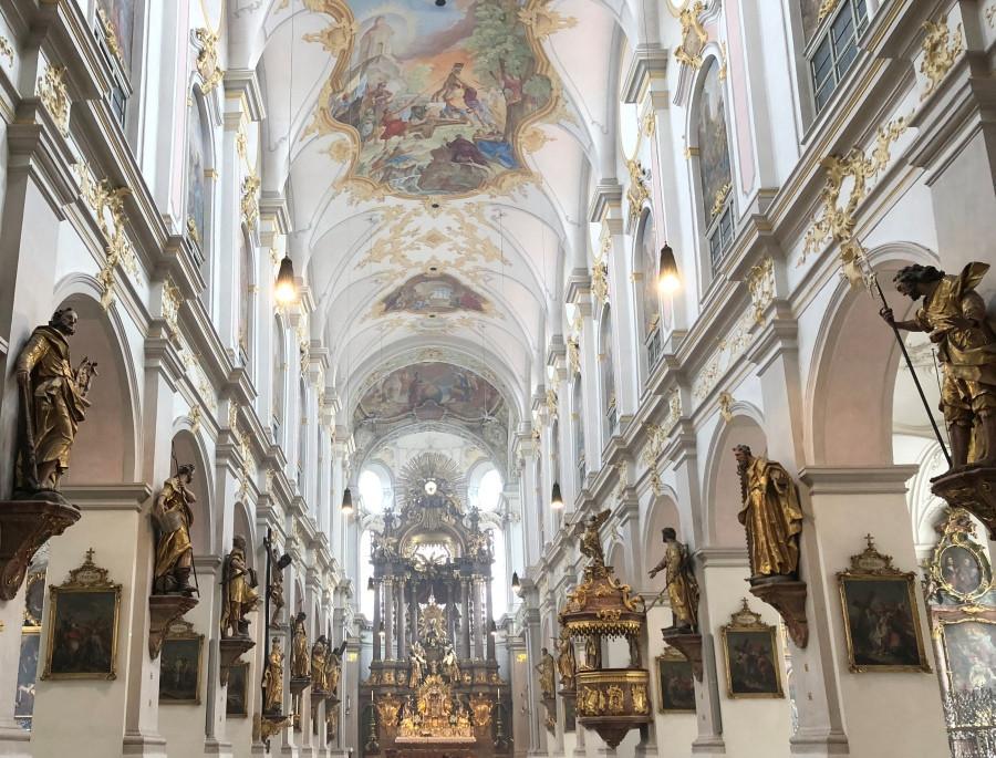 Interior de la Iglesia de St Peter