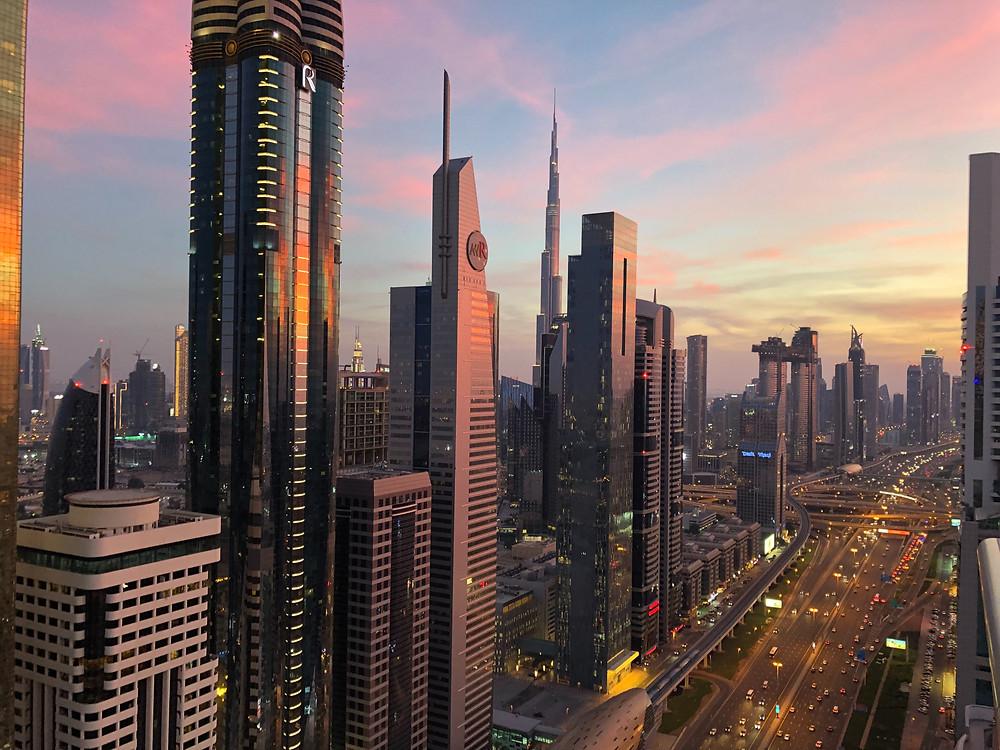 Skyline de Dubai, dominado por el Burj Khalifa