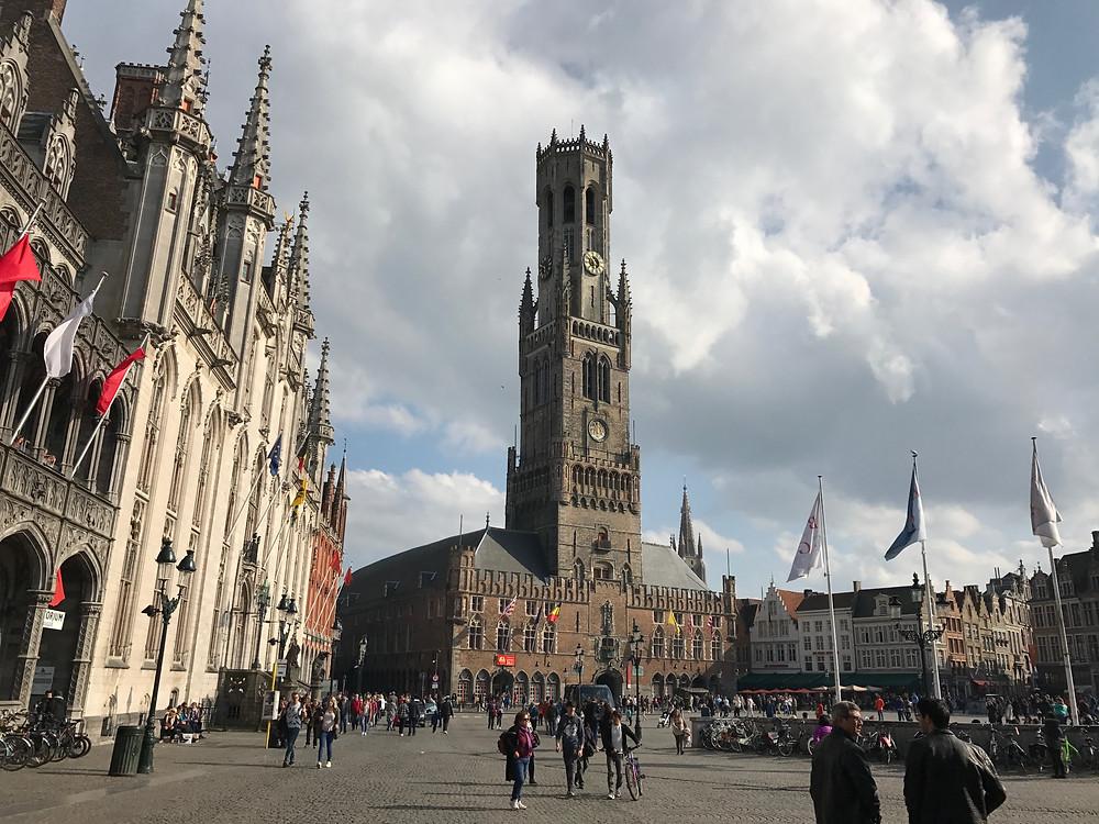 Torre campanario Brujas