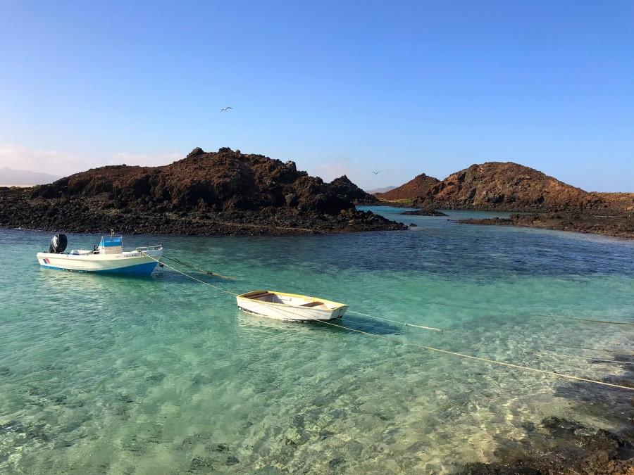 Lanchas varadas en Isla de Lobos Fuerteventura