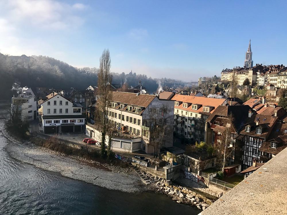 Río Aar, casco histórico y Catedral Berna