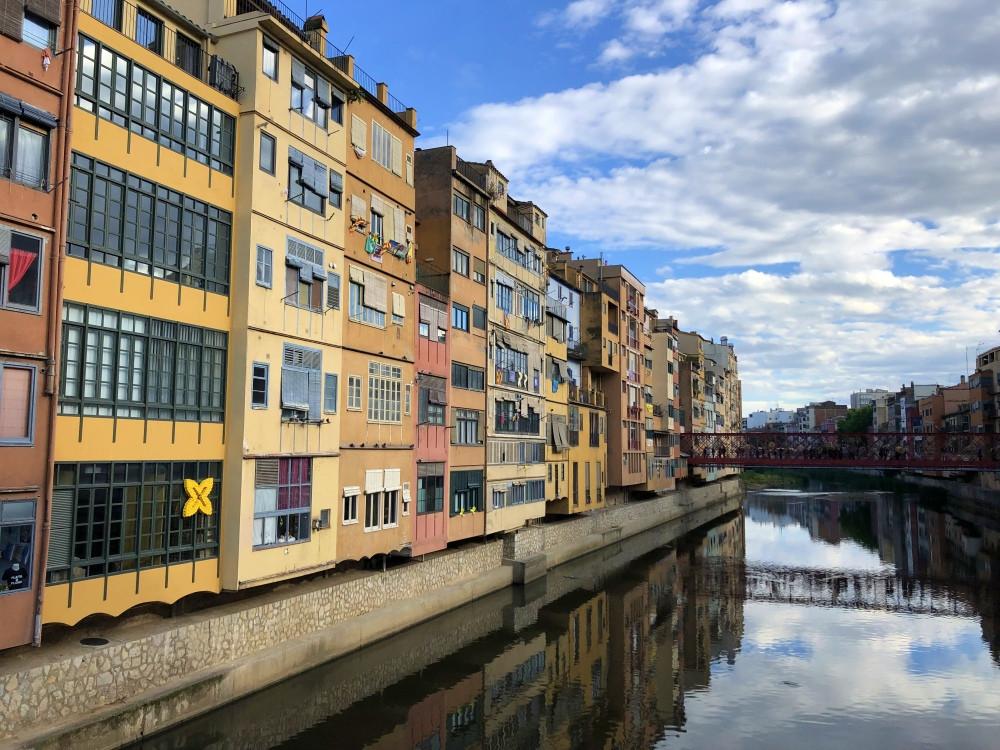 Coloridas casas de Girona