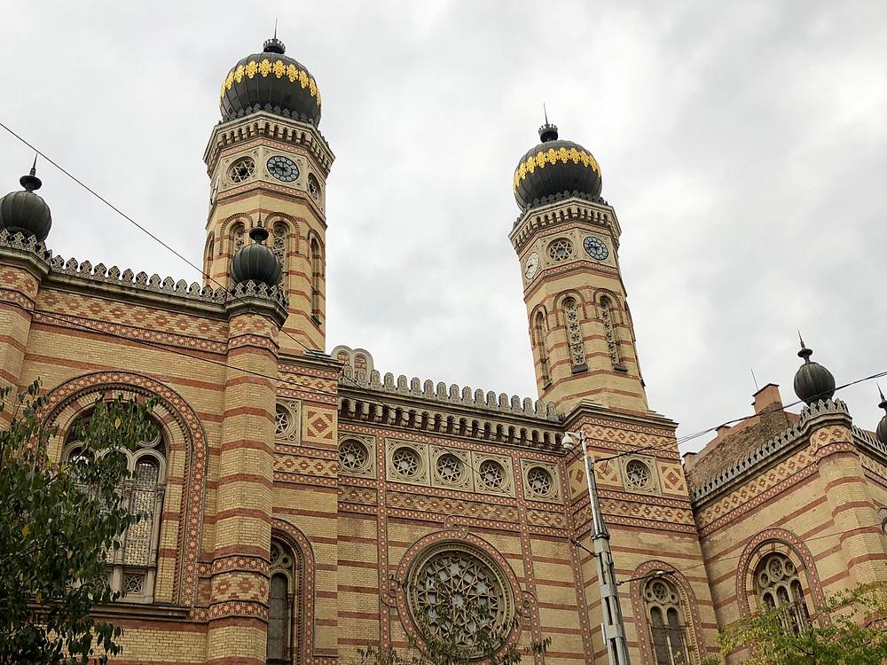 Fachada de la sinagoga Dohany utcai en Budapest