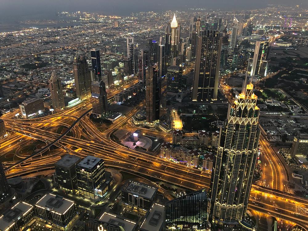 Panorámica nocturna desde el nivel 124 del Burj Khalifa