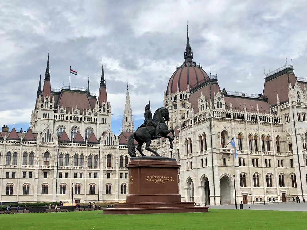 Estatua ecuestre de Rakoczi Ferenc en Budapest