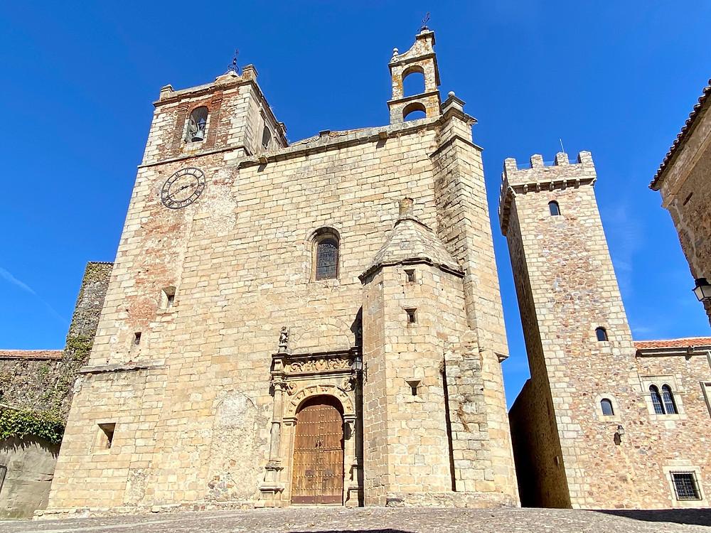 Fachada de la iglesia de San Mateo de Cáceres