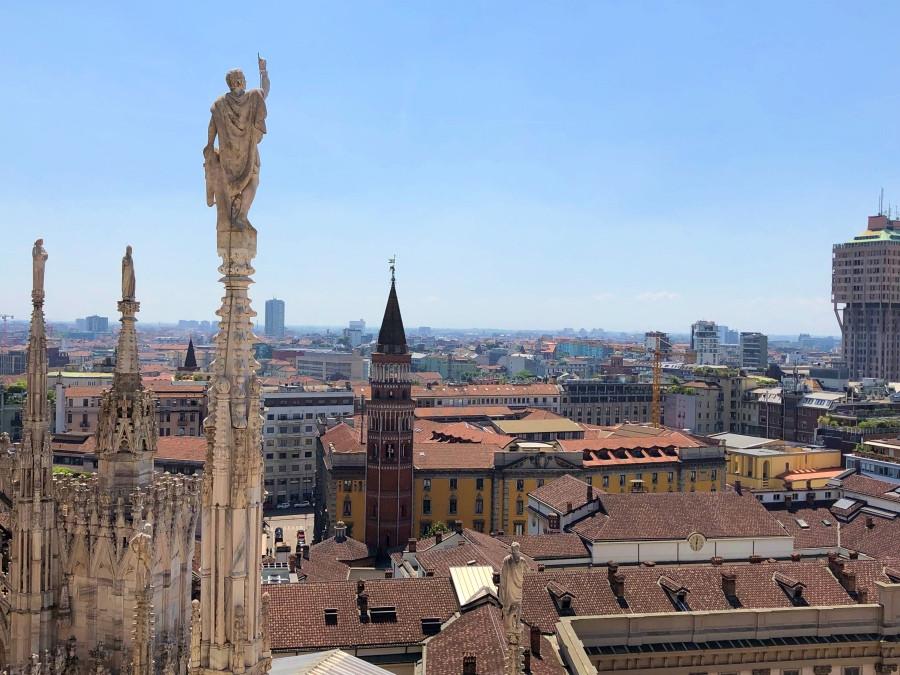 Torre del Palacio Real de Milan vista desde el tejado del Duomo