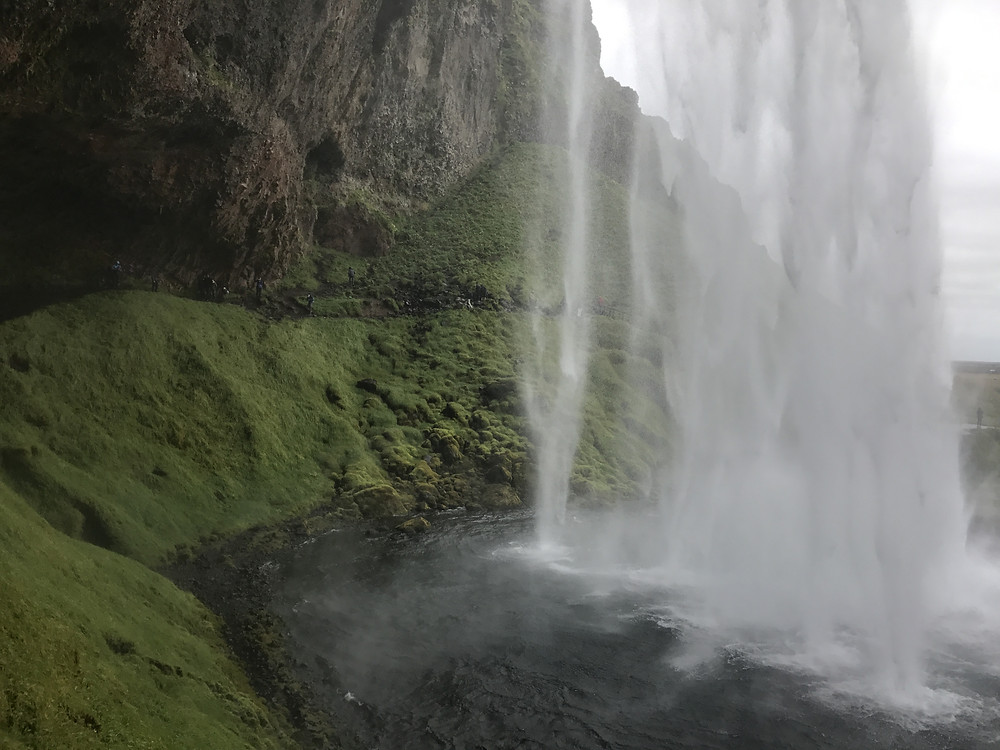 Iceland top spots: Seljalandsfoss waterfall