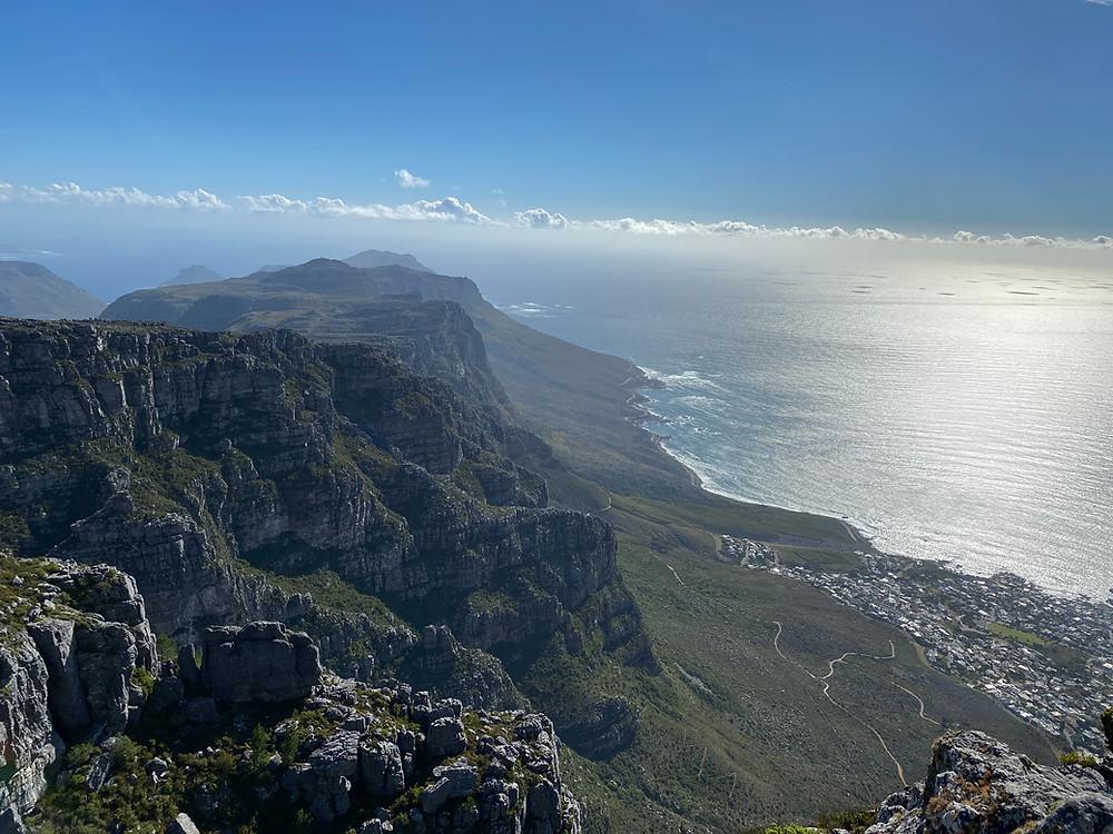 Imagen de los 12 apóstoles de Table Mountain y Camps Bay