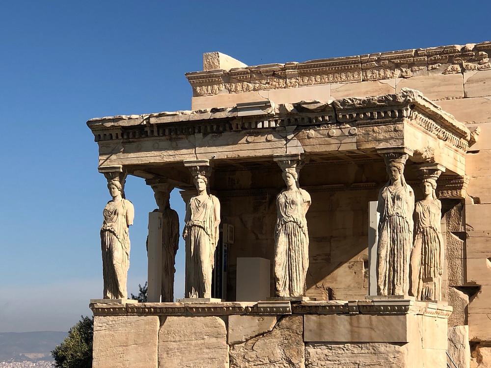 Pórtico de las Cariátides en Atenas