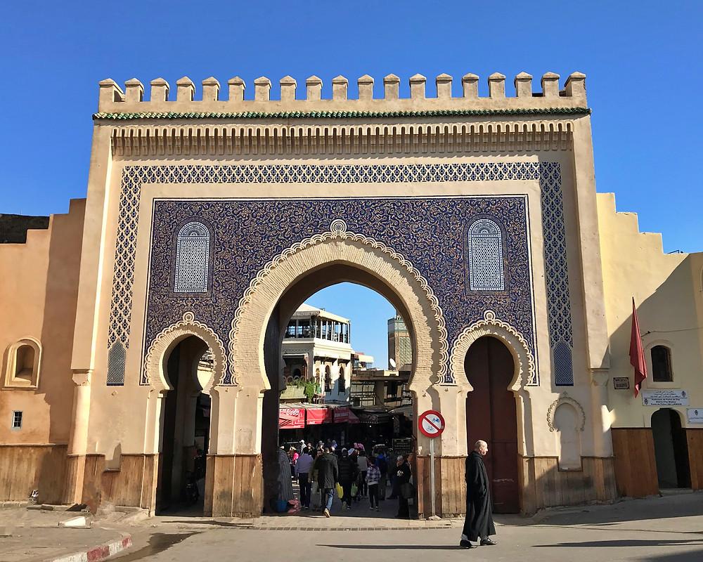 Foto de la puerta azul en Fez, Marruecos