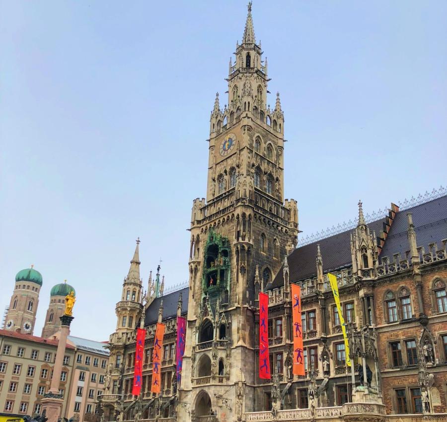 Fachada del nuevo edificio del Ayuntamiento de Munich