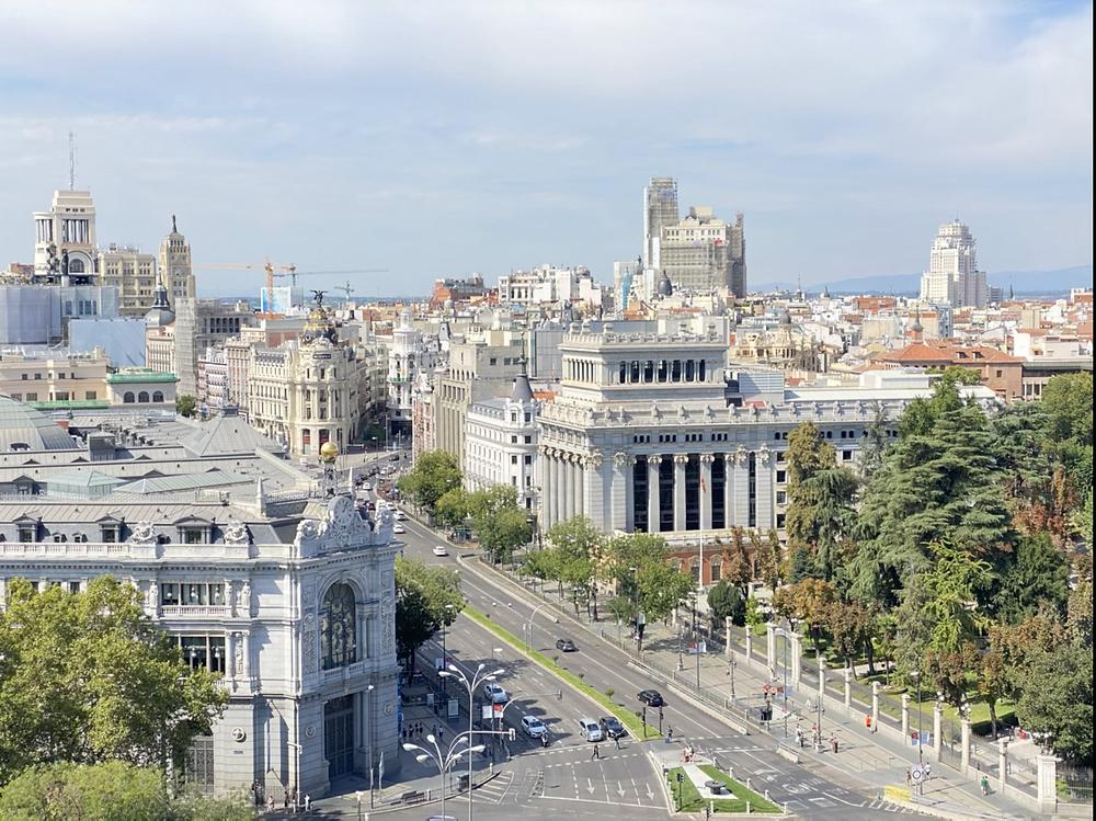 Edificio del Banco de España visto desde el Palacio de Comunicaciones