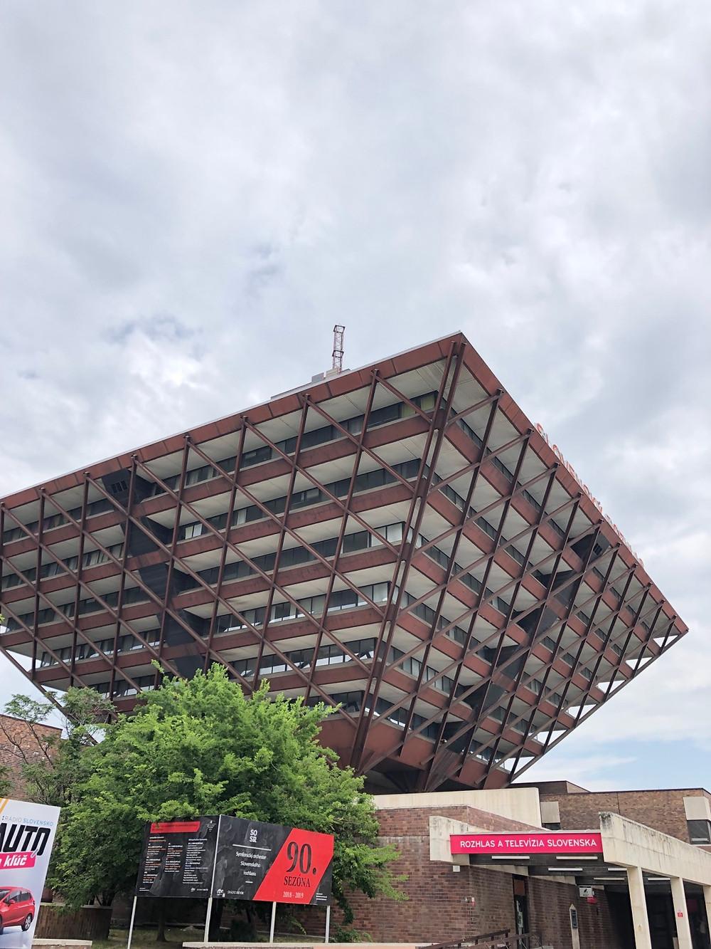 Edificio televisión pública