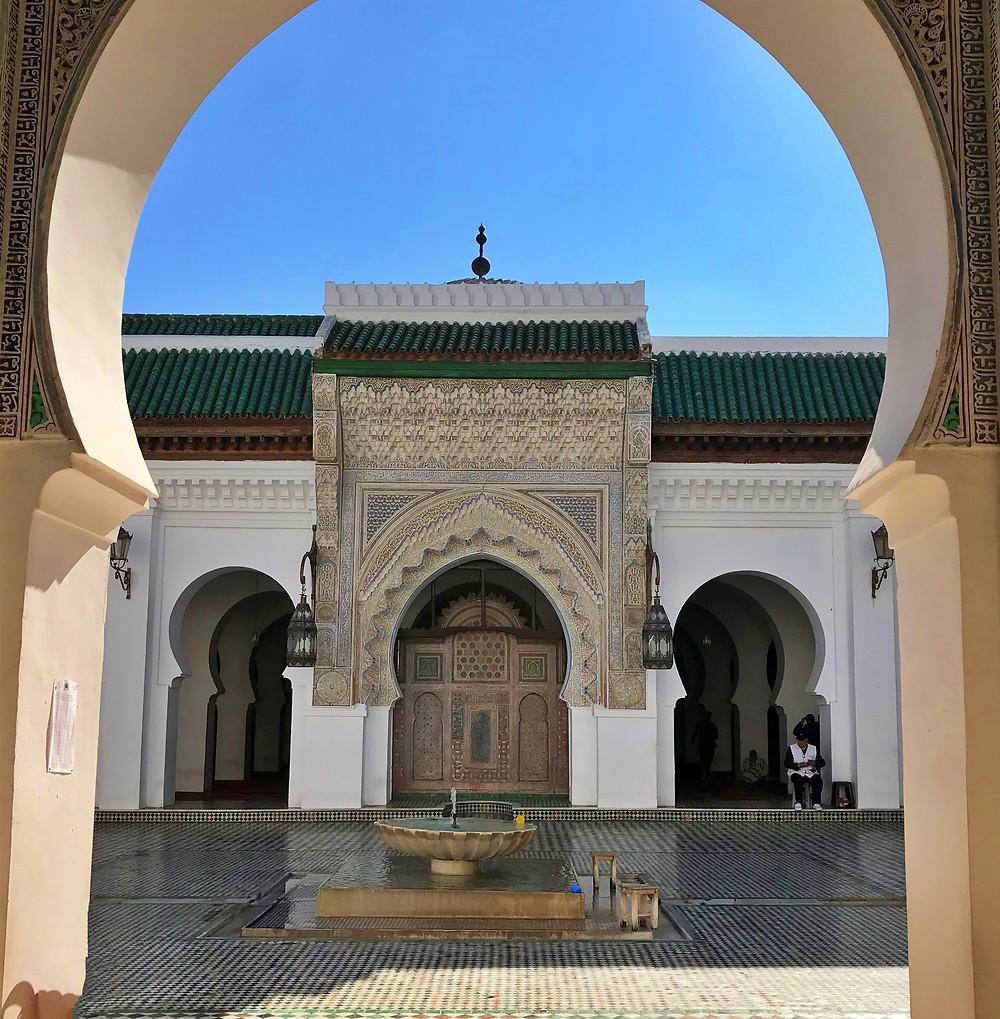 Interior de la mezquita al Karaouine en Fez