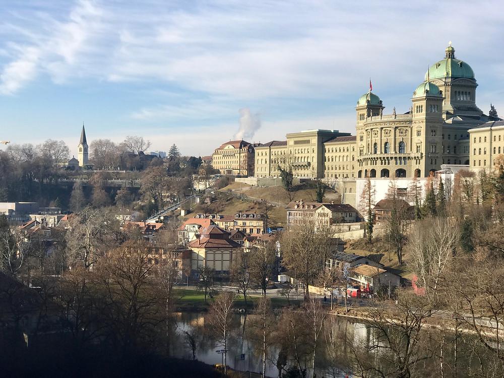 Vista panorámica del Bundeshaus de Suiza