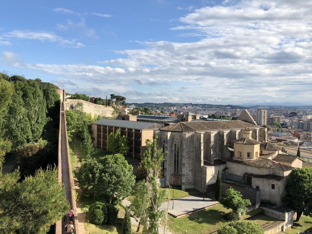 Imagen panorámica de las murallas de Girona