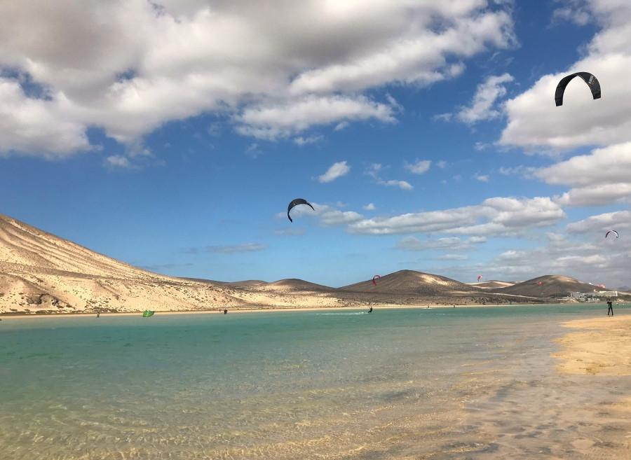 Windsurfistas en Risco del Paso
