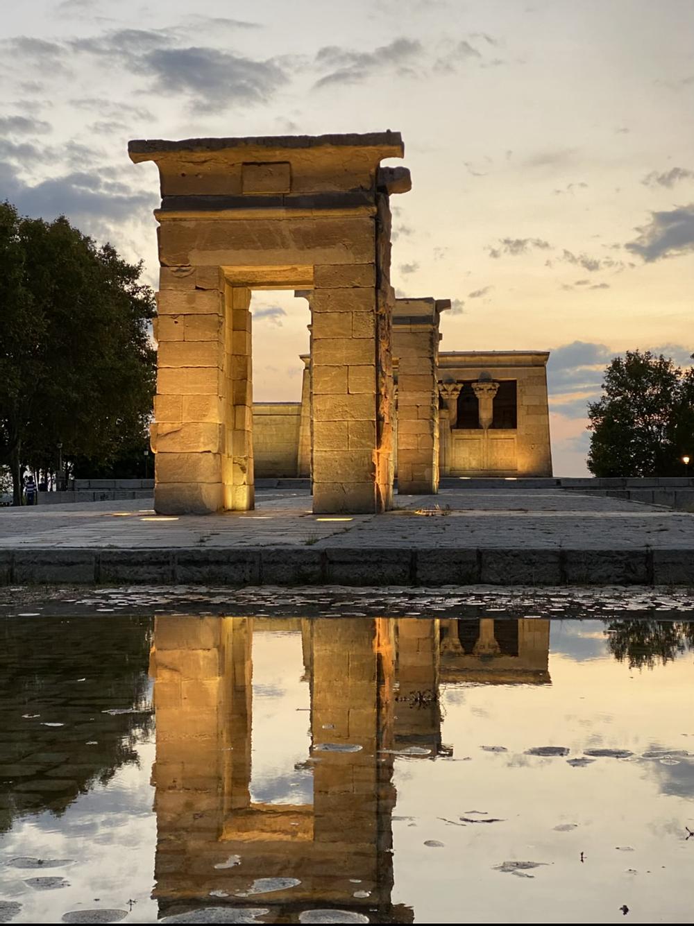 Atardecer en Templo Debod en Madrid