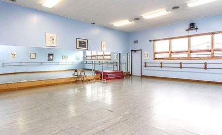 dance studio ballet