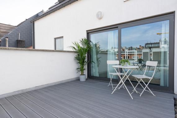 The Indian Yellow - SHWAY 62 - studio terrace balcony