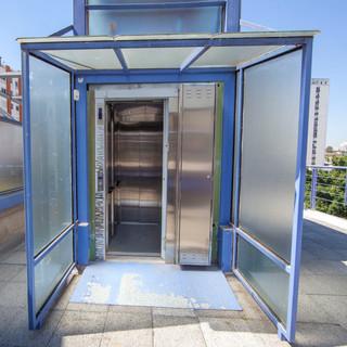 60 - elevator2.jpg