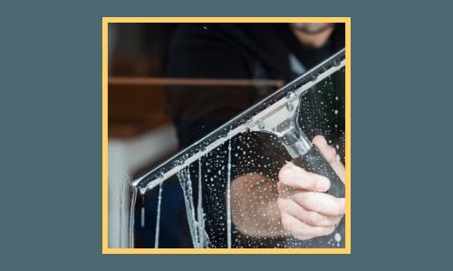 Comment nettoyer ses vitres à Lille sans laisser de traces ?