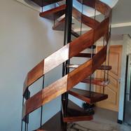 Escada Caracol estilo industrial