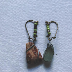 Mismatched Stone Earrings - SE01