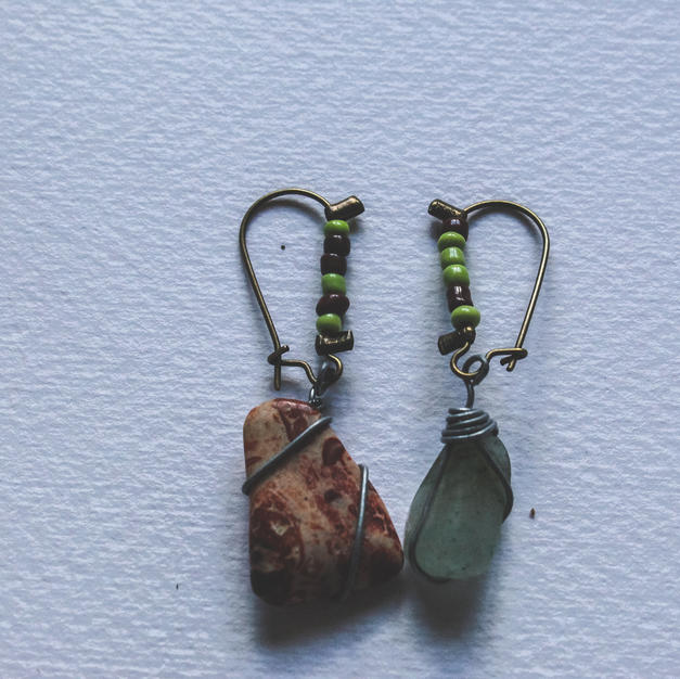 Mismatched Stone Earrings - SE01