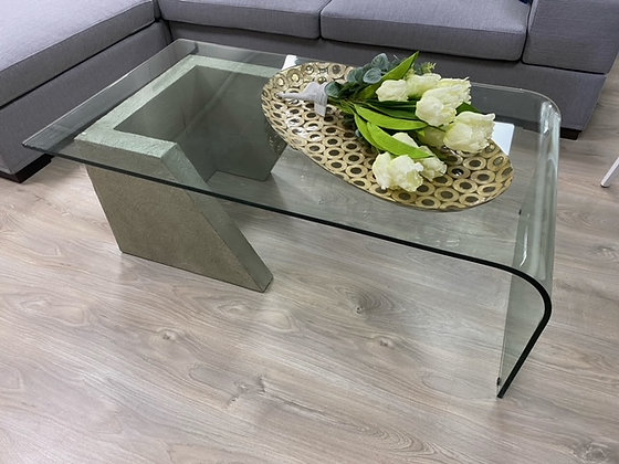 Tavolino con base in cemento
