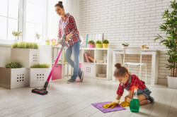 mother-daugther-cleaning-2-387882181