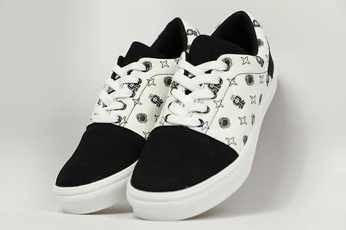 Moon 52 Sneaker