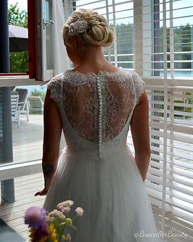 Ljungvall i bröllopsklännig