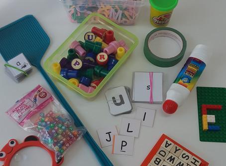 Idées d'activités pour aider votre enfant à identifier et produire les lettres de l'alphabet