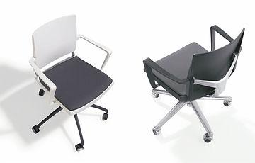 Bancada de 4 sillas de plástico